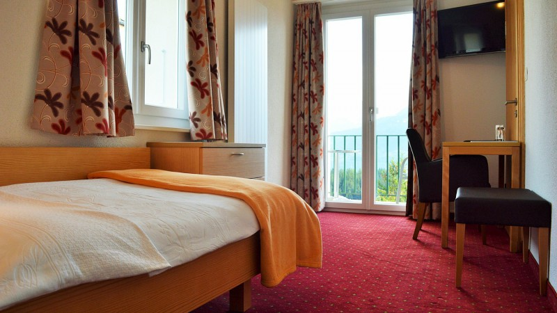 Hotel proche commerce crans montana