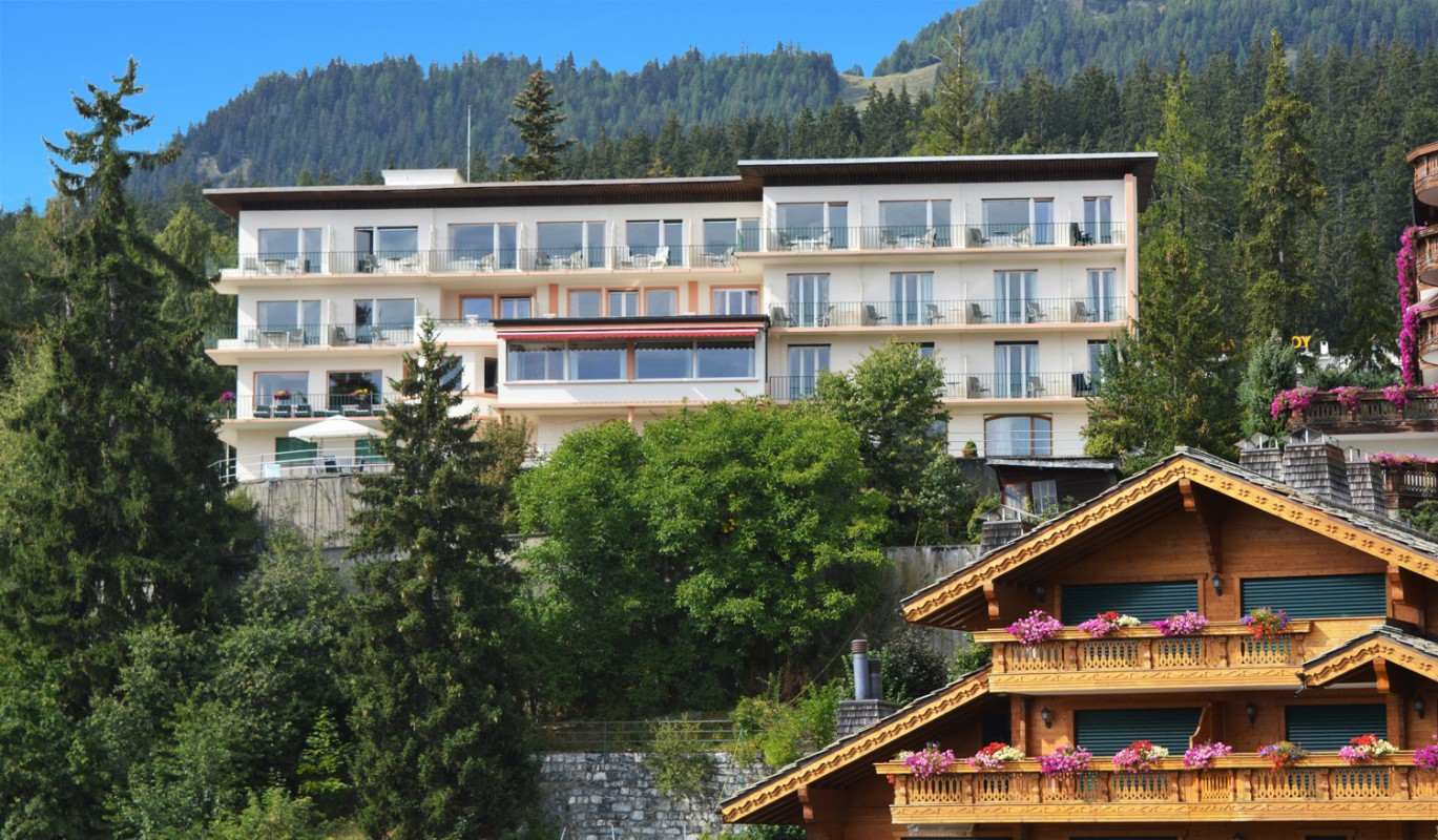 Hotel restaurant piste ski crans montana
