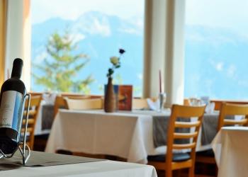 Hotel course hippique crans montana